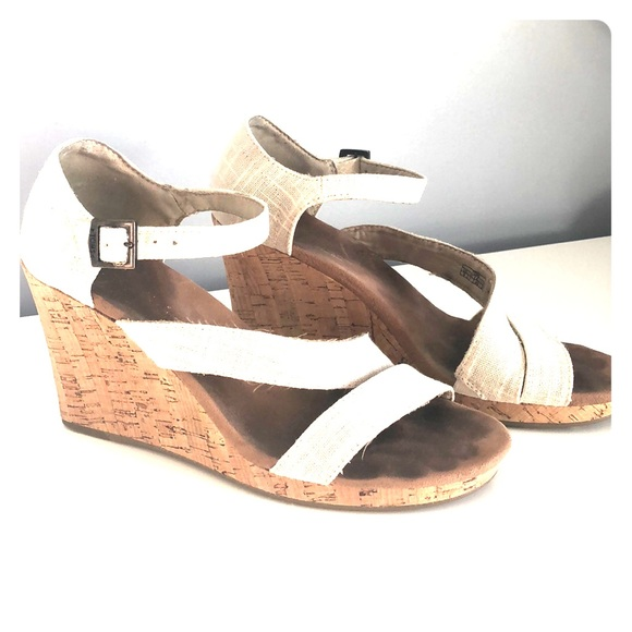 Toms Shoes - TOMS wedges!